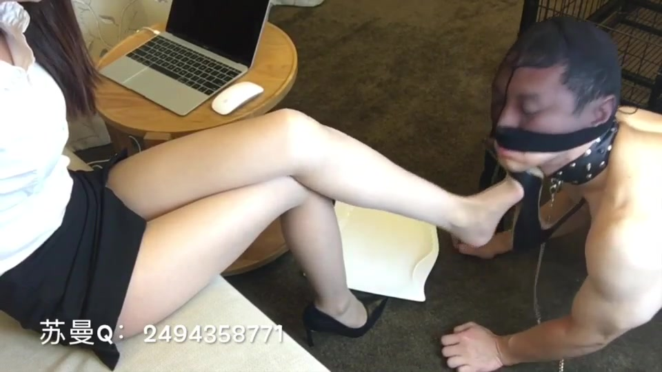 High heels whipping holy water feeding male slave