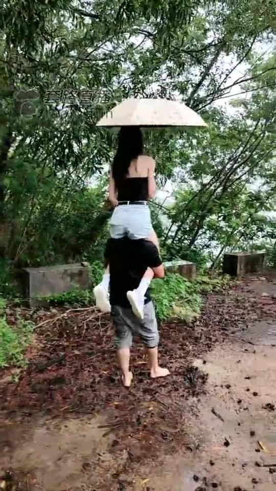 Extreme training outdoors on rainy days